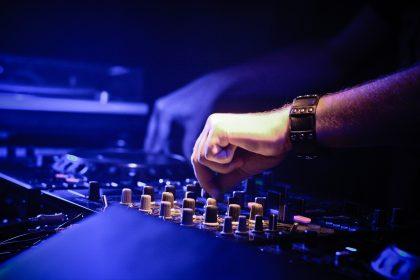Soirée étudiante à Rennes avec DJ